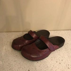 Vionic Leather Mules Slip Ons 7 Plantar Fasciitis